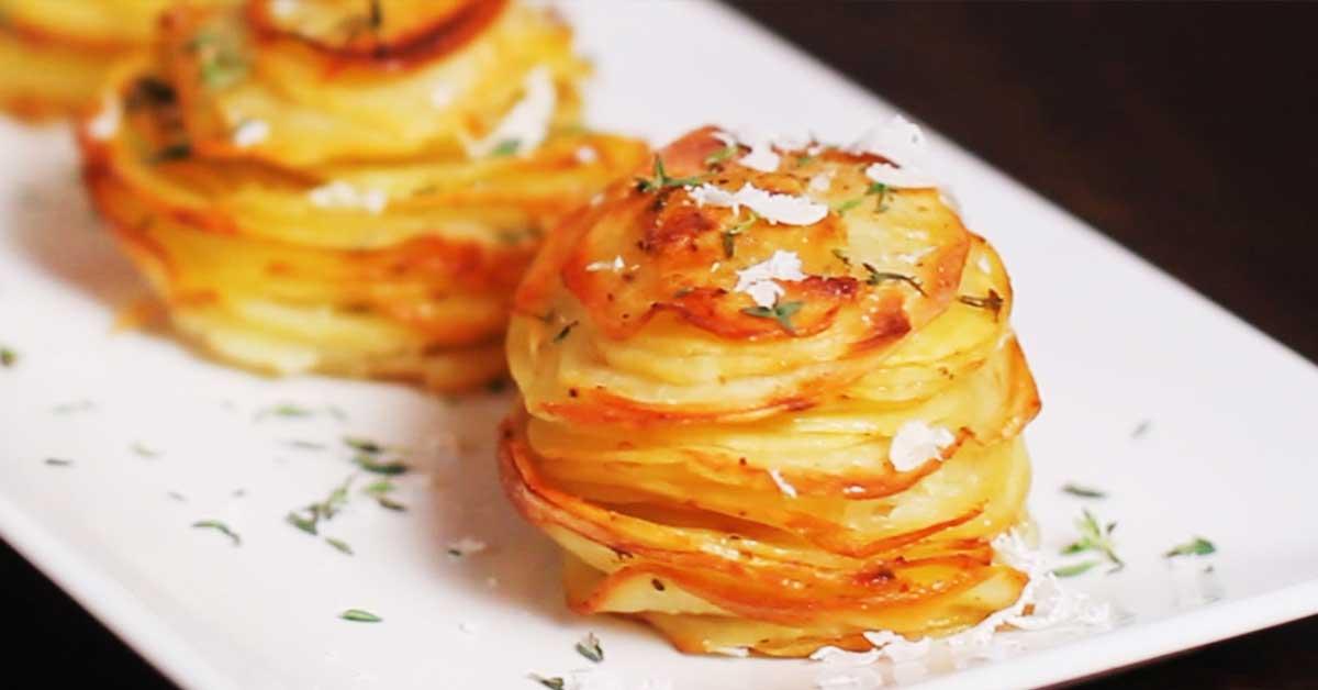 Parmesaaniperunat – tämä maukas lisuke valmistuu todella helposti