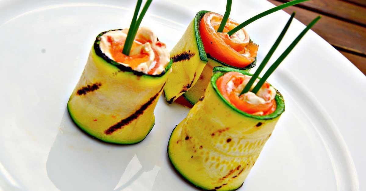 Zucchini-lohirullat