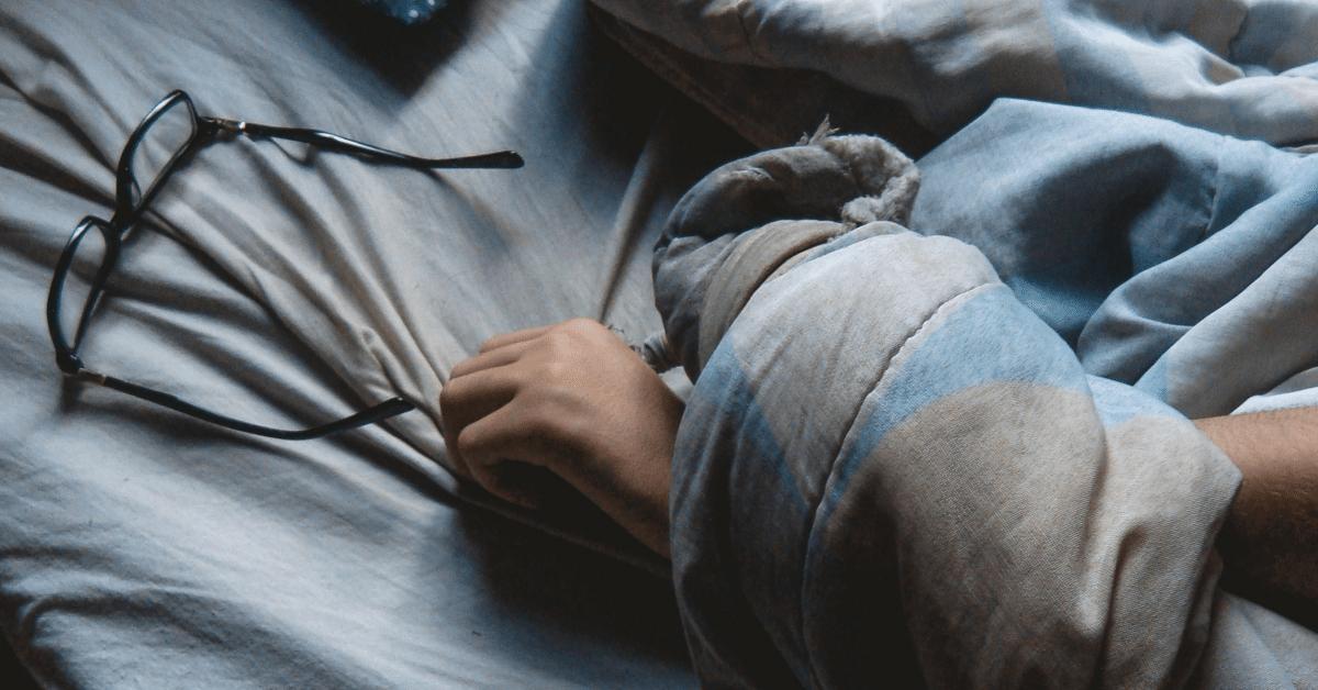 Vältä unenpuutteen aiheuttamat vaivat – aloita työpäiväsi 10:00