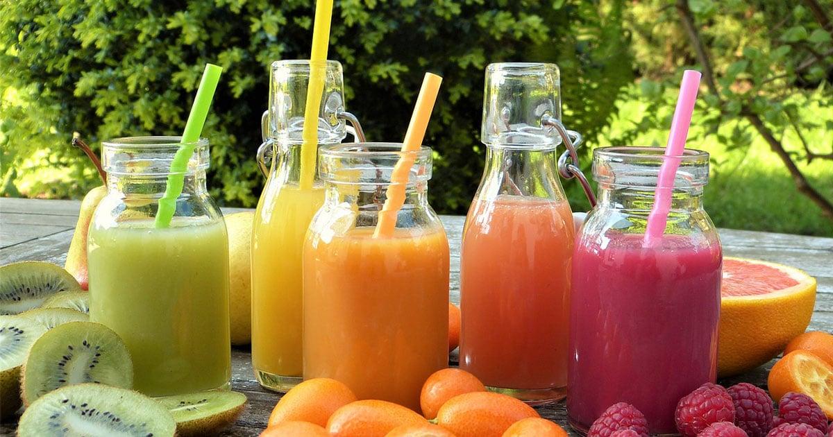 Terveellinen hedelmäsmoothie lapsille
