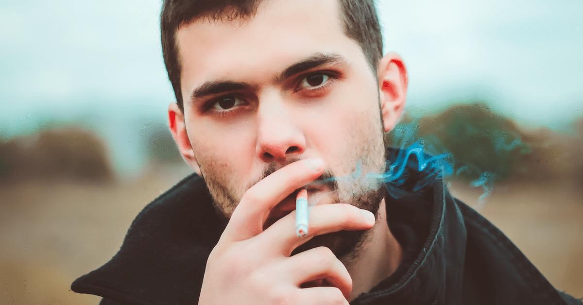 Näin tupakoinnin lopettaminen kohentaa seksielämääsi