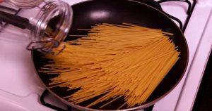 Helpoin ja nopein tapa valmistaa pastaa