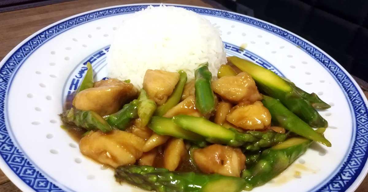 Kanaa ja tankoparsaa kiinalaisittain – nopea kevätherkku