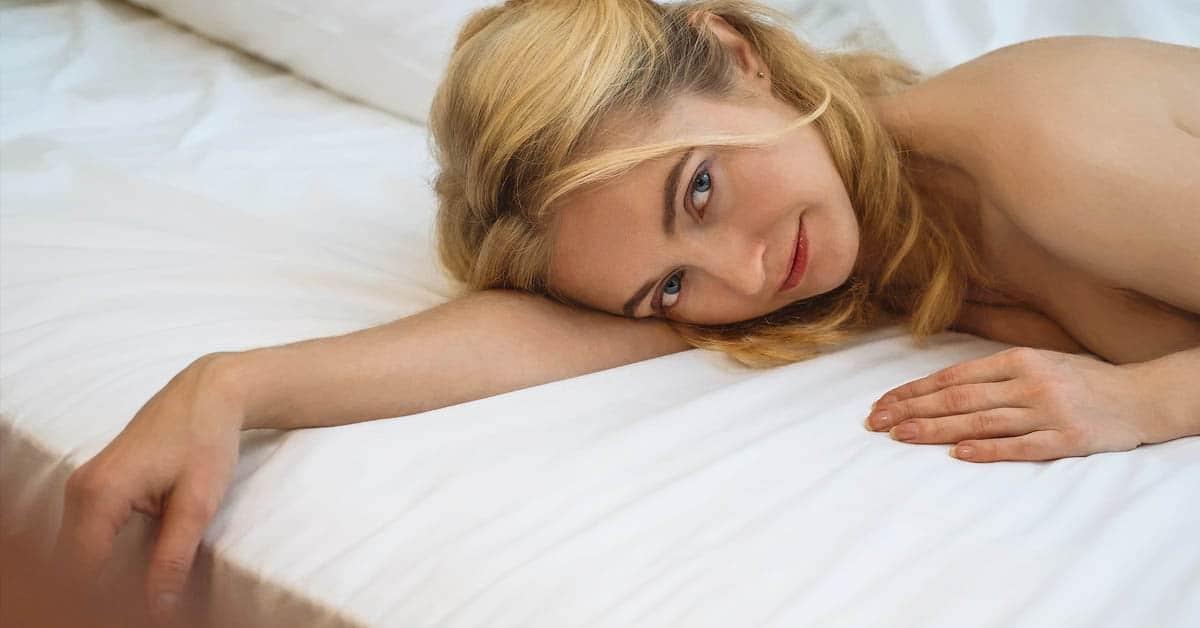 Ylilääkärin neuvo: Naiset, töiden jälkeen kannattaa löhötä hetki sohvalla