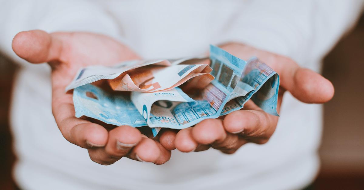 5 kiusallista keskustelua rahasta, jotka jokainen pariskunta käy läpi