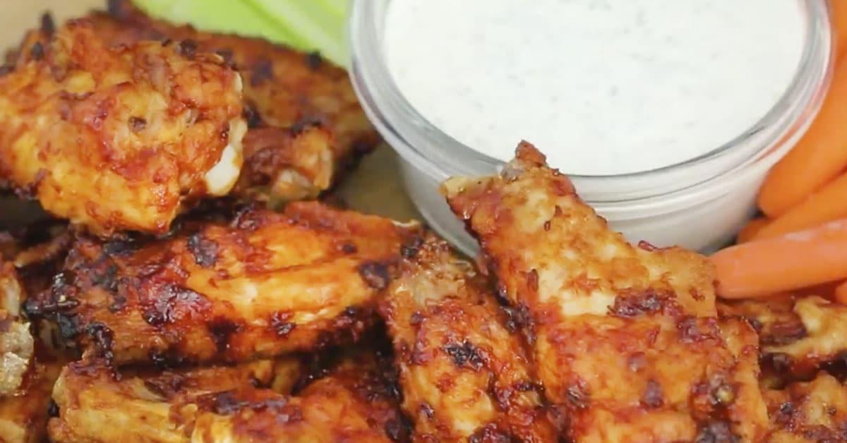 Hunaja-chipotle-wingsit – nyt lähti grilli tulille!