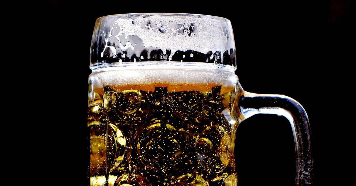 6 varoittavaa merkkiä – jos tunnistat näistä itsesi, saatat juoda liikaa