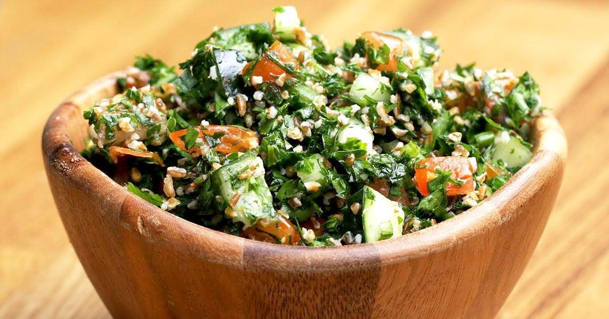 Tabbouleh-salaatti – raikas lähi-idän klassikko on täydellinen lisuke liharuoille