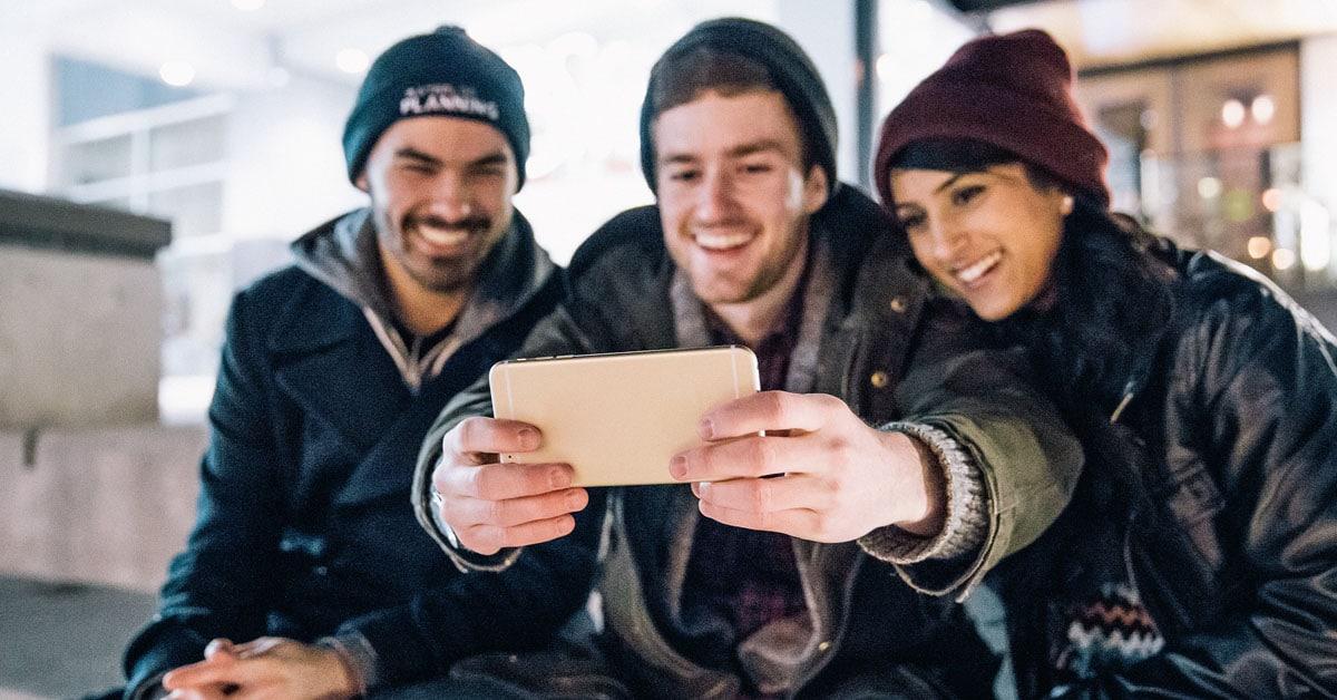 Tiede todistaa: selfieitä räpsivät ihmiset ovat todellisia narsisteja