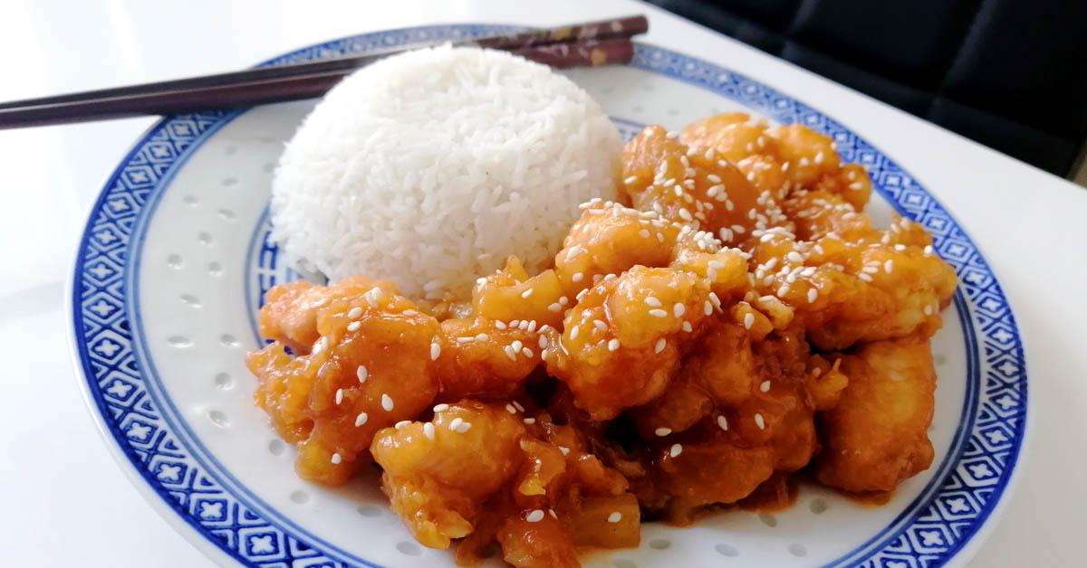 Friteerattua kanaa hapanimeläkastikkeessa – herkkua kiinalaiseen tapaan