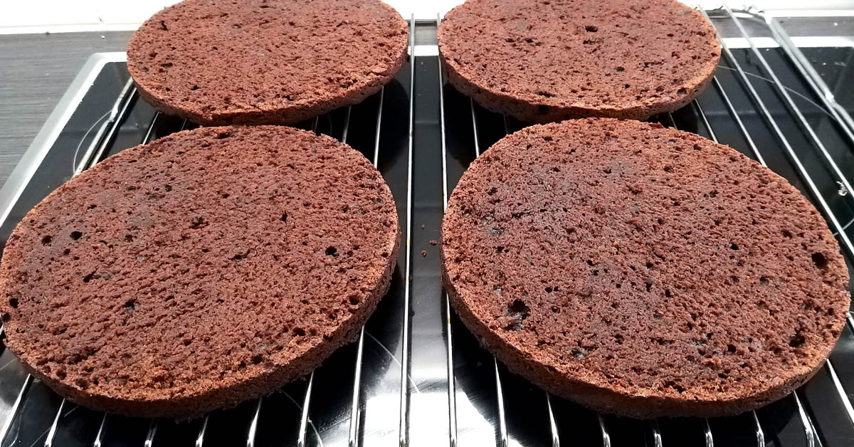 Super mehevä suklaakakkupohja – täyteläinen, helppo ja soveltuu moneen käyttöön
