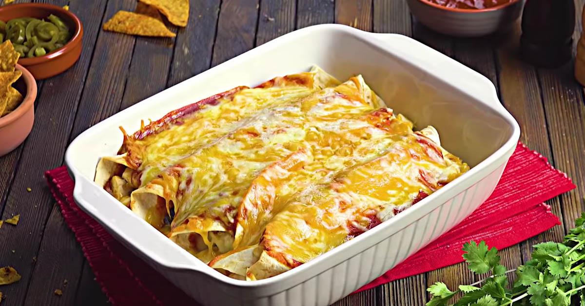 Täytä vuoka tortilloilla, nachoilla, jauhelihalla ja juustolla – tortillavuoka vie kielen mennessään
