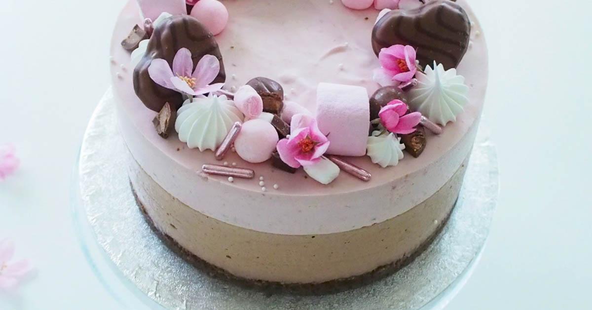 Geishasuklaa-vadelmajuustokakku – kesän maistuvin kakku