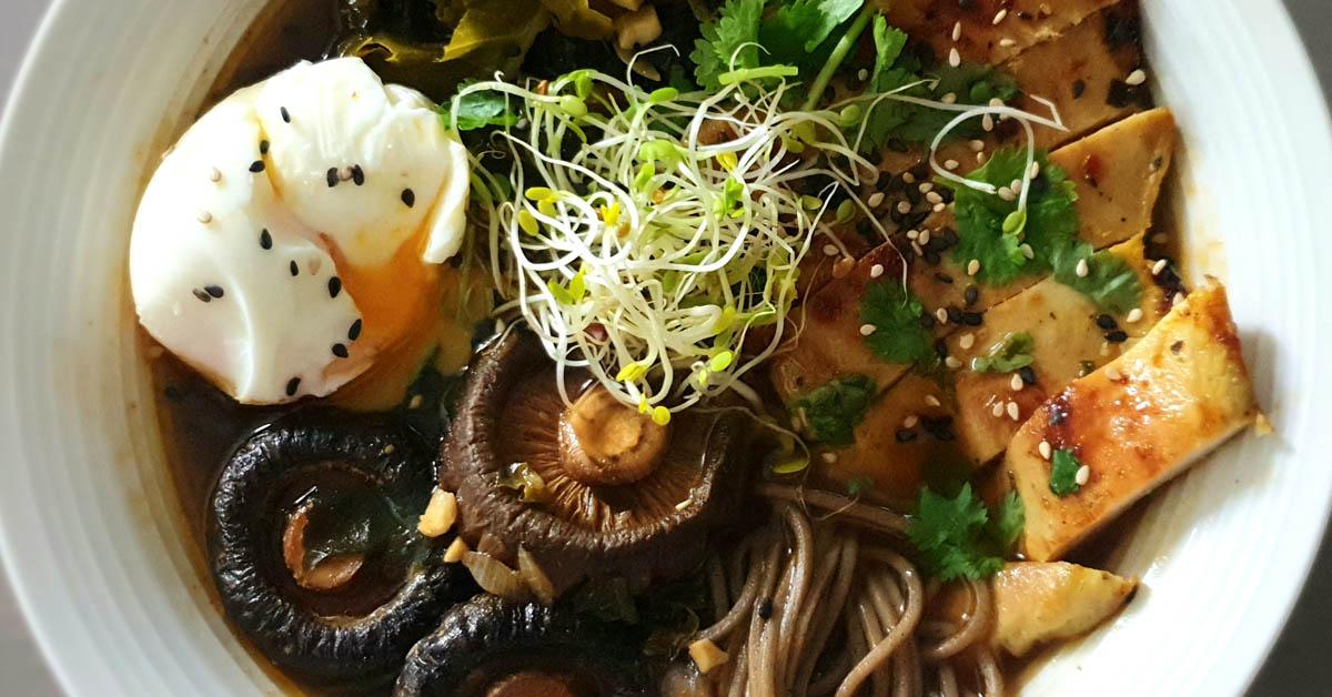Kanaramen – helppo, maukas ja näyttävä japanilainen nuudelikeitto
