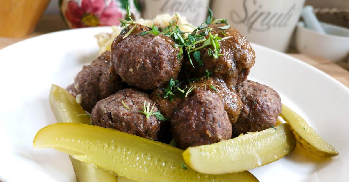 Hirvipullat & ruskea yrttikastike – maukasta riistaruokaa parhaimmillaan