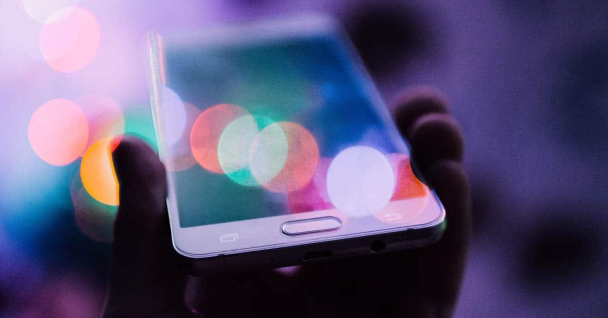 Mobiilipelaaminen ohjaa peliteollisuutta uusille urille