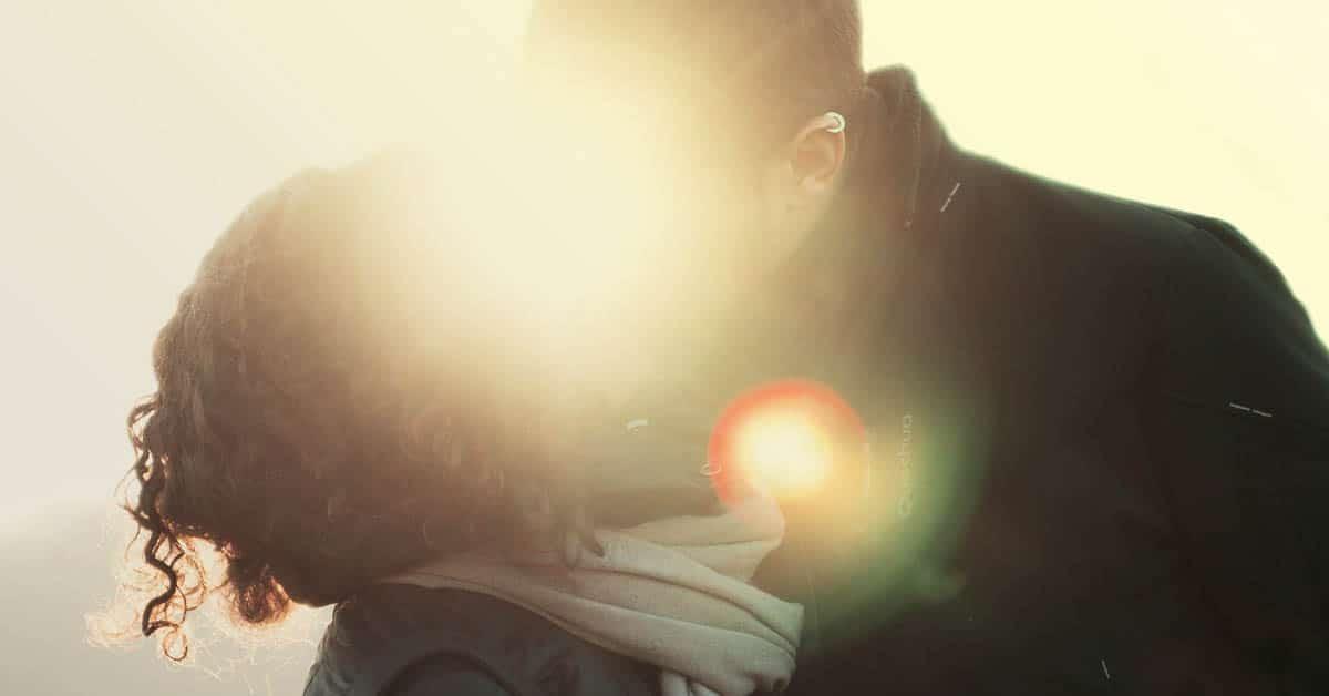 4 tapaa saada parisuhteesta entistä vahvempi