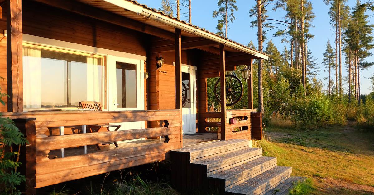 Yllättikö Suomen kesä mökkilomalla? – tekemistä sadepäivälle