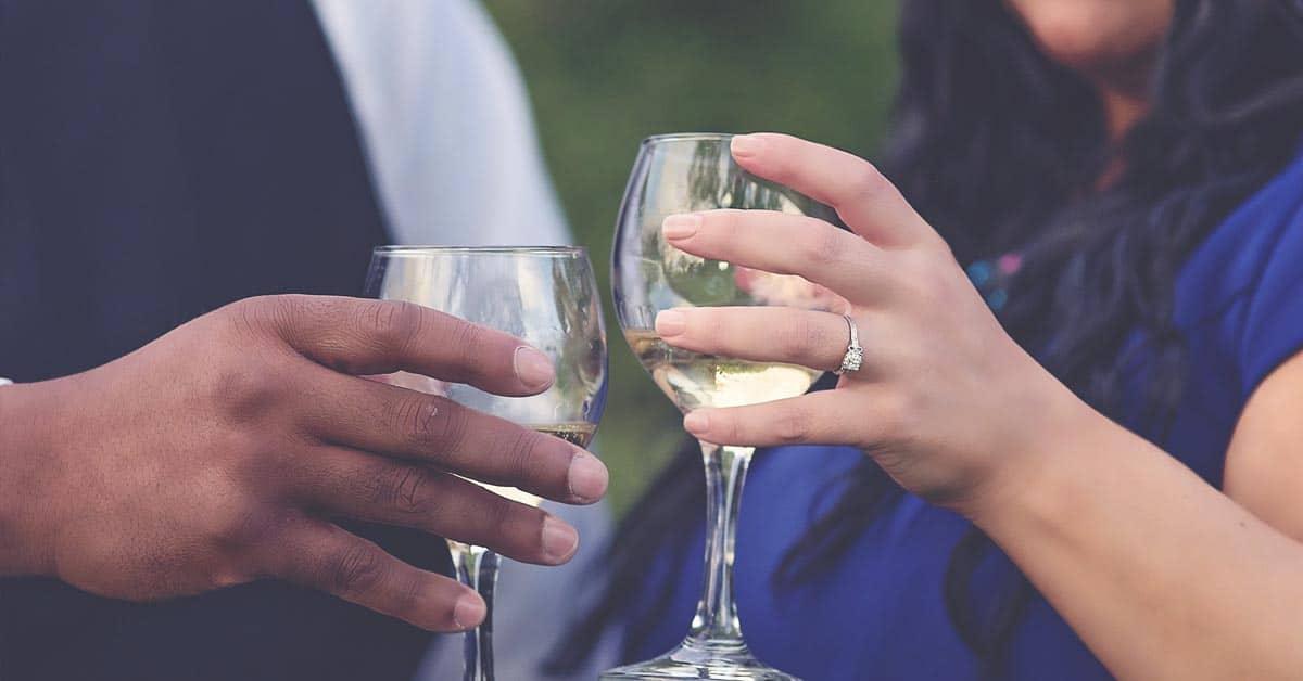 8 humalaista keskustelua, jotka jokainen pariskunta on käynyt keskenään