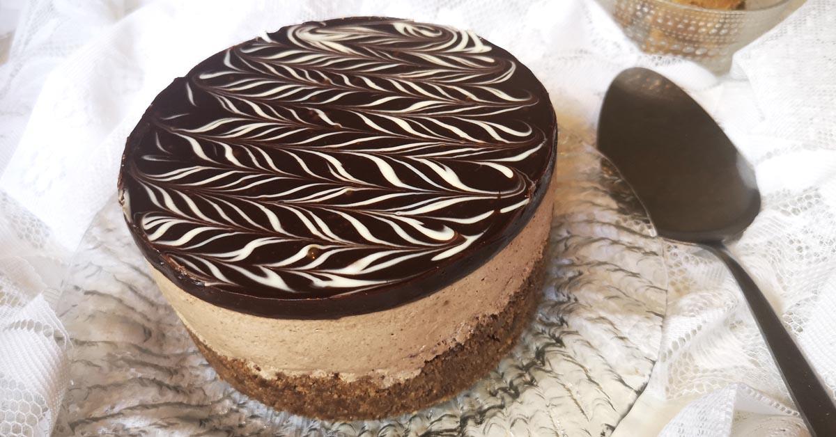 Nutella-suklaa juustokakku – pähkinän ja suklaan taivaallinen yhdistelmä
