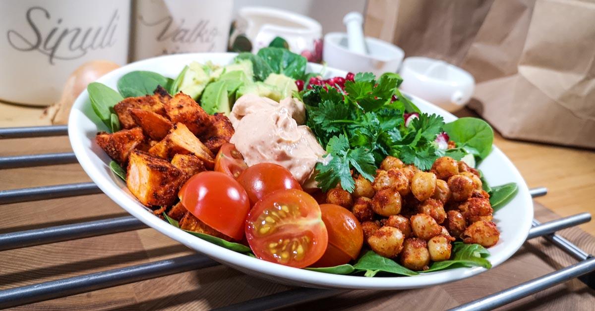 Buddha Bowl – vegaaninen herkkulautanen