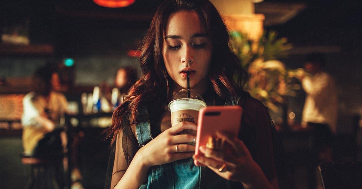 Miksi naiset ovat aktiivisempia mobiililaitteiden käyttäjiä kuin miehet?
